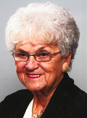 Mme Madeleine Paquette Doucet